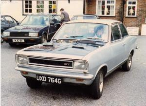 Alan's GT 4 - Outside a Luton Pub in 1986